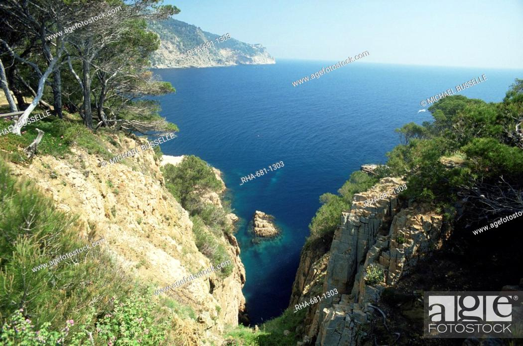 Imagen: Costa Brava near Aiguablava, Catalonia, Spain, Europe.