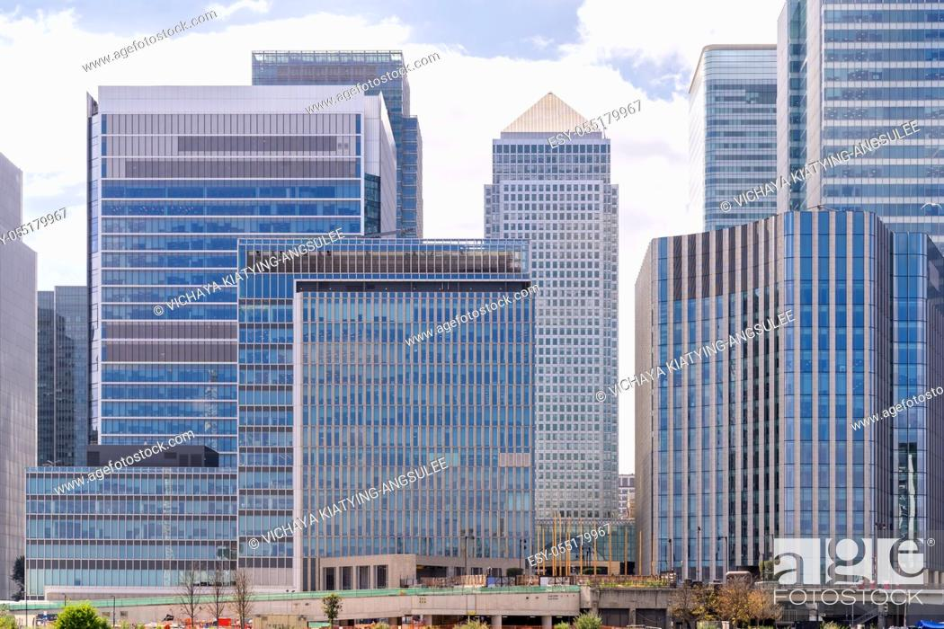 Imagen: Skylines building at Canary Wharf in London UK.