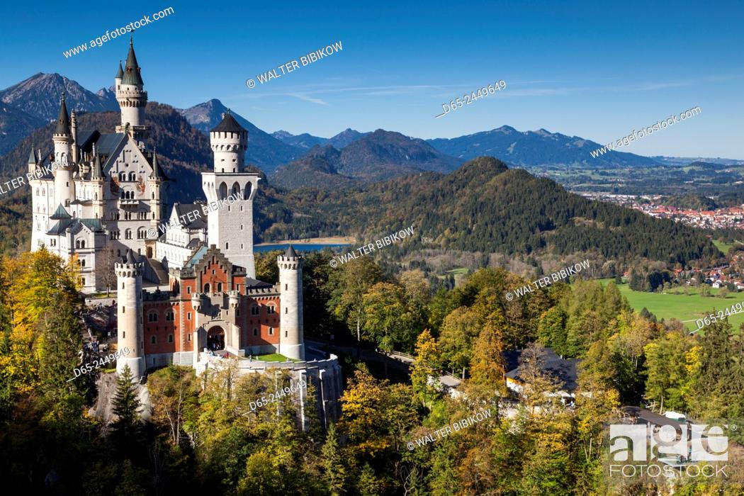 Stock Photo: Germany, Bavaria, Hohenschwangau, Schloss Neuschwanstein castle, elevated view, fall.