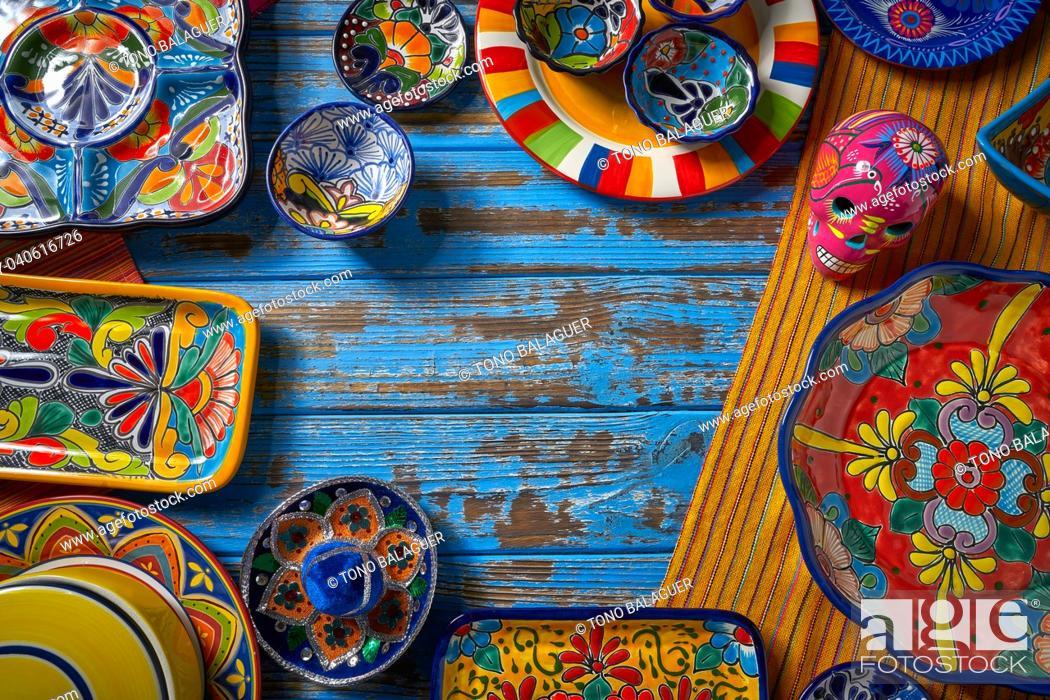 Photo de stock: Mexican pottery Talavera style of Puebla in Mexico.