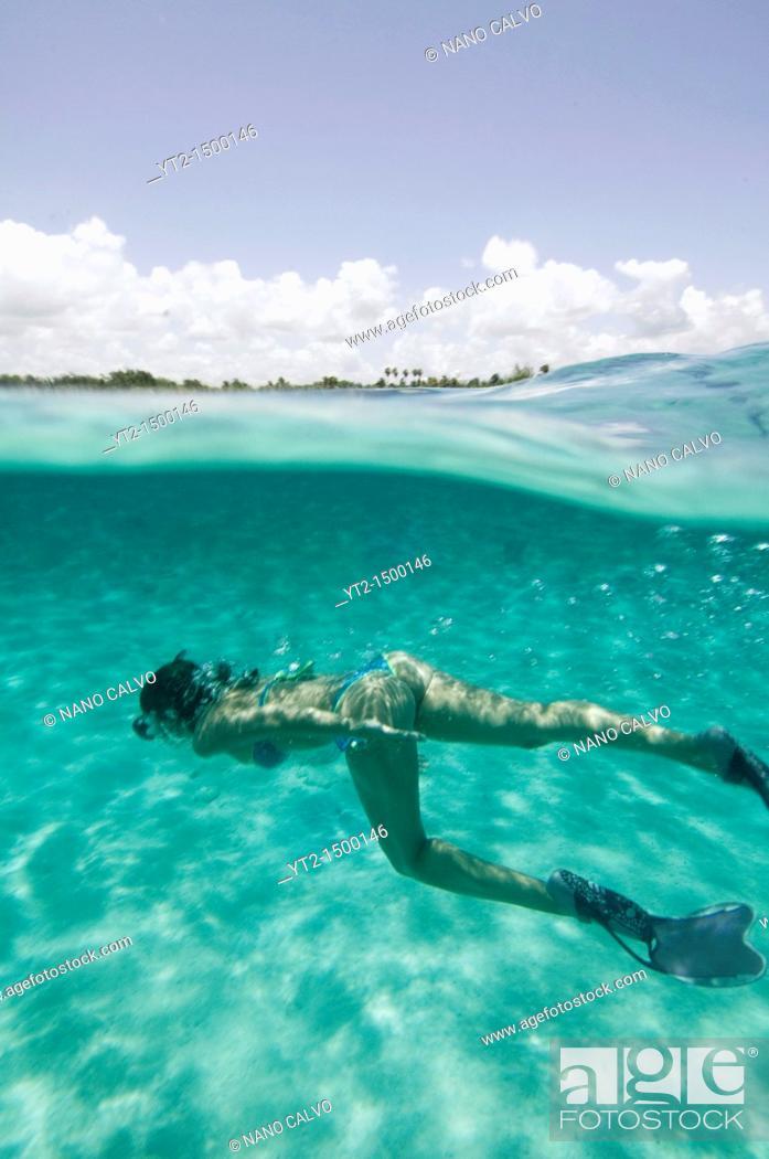 Stock Photo: Attractive girl snorkelling in Akumal, Yucatan Peninsula, Mexico.