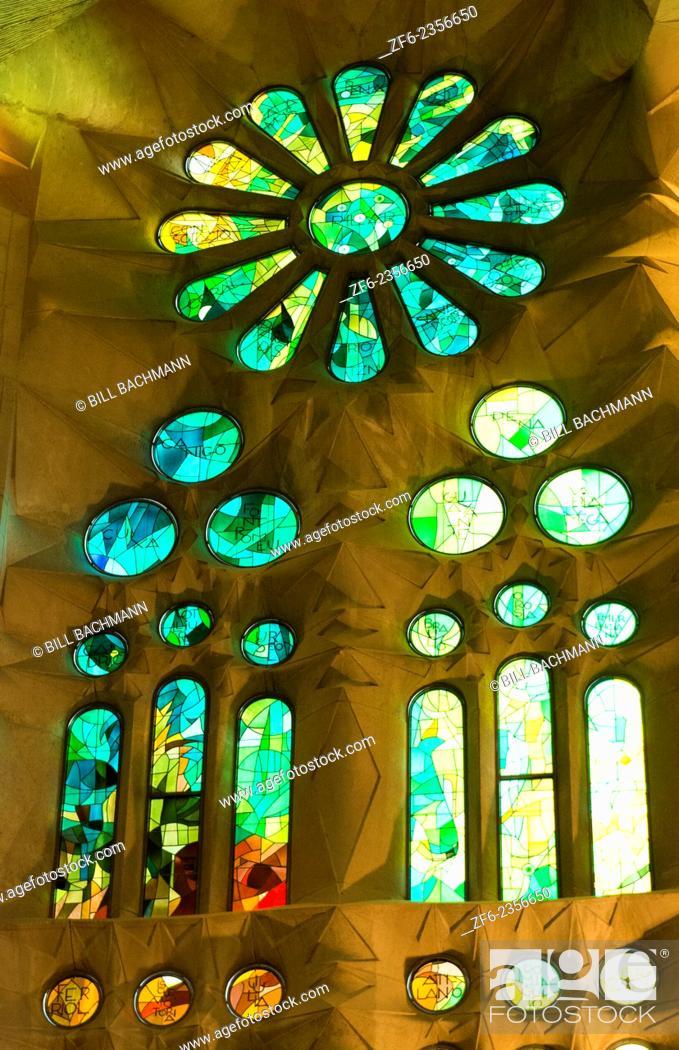 Imagen: Barcelona Spain Le Sagrada Familia Church stain glass interior of Gaudi designer Basilica church pillars started in 1882.