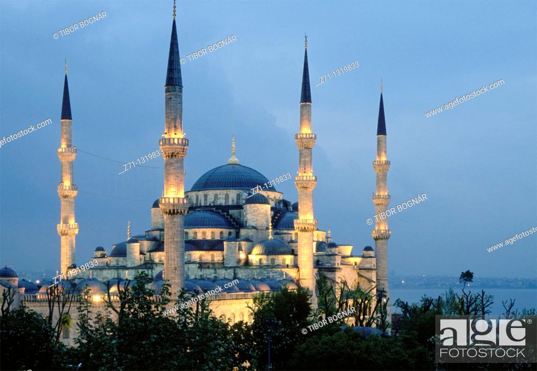 Stock Photo: Turkey, Istanbul, Blue Mosque, Sultan Ahmet Camii,.