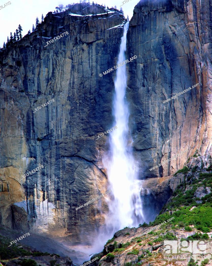 Stock Photo: Yosemite Falls.