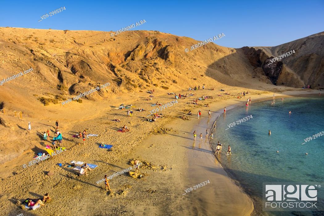 Imagen: Punta de Papagayo beach, Playa Blanca. Lanzarote Island. Canary Islands Spain. Europe.