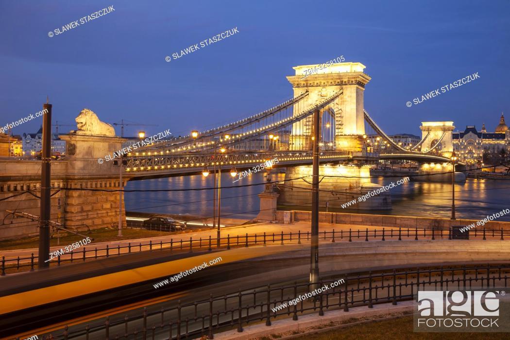 Stock Photo: Evening the Chain Bridge across the Danube in Budapest, Hungary.