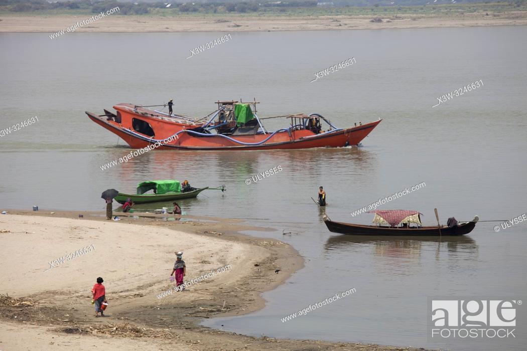 Imagen: Ayeyarwaddy river, Old Bagan village, Mandalay region, Myanmar, Asia.