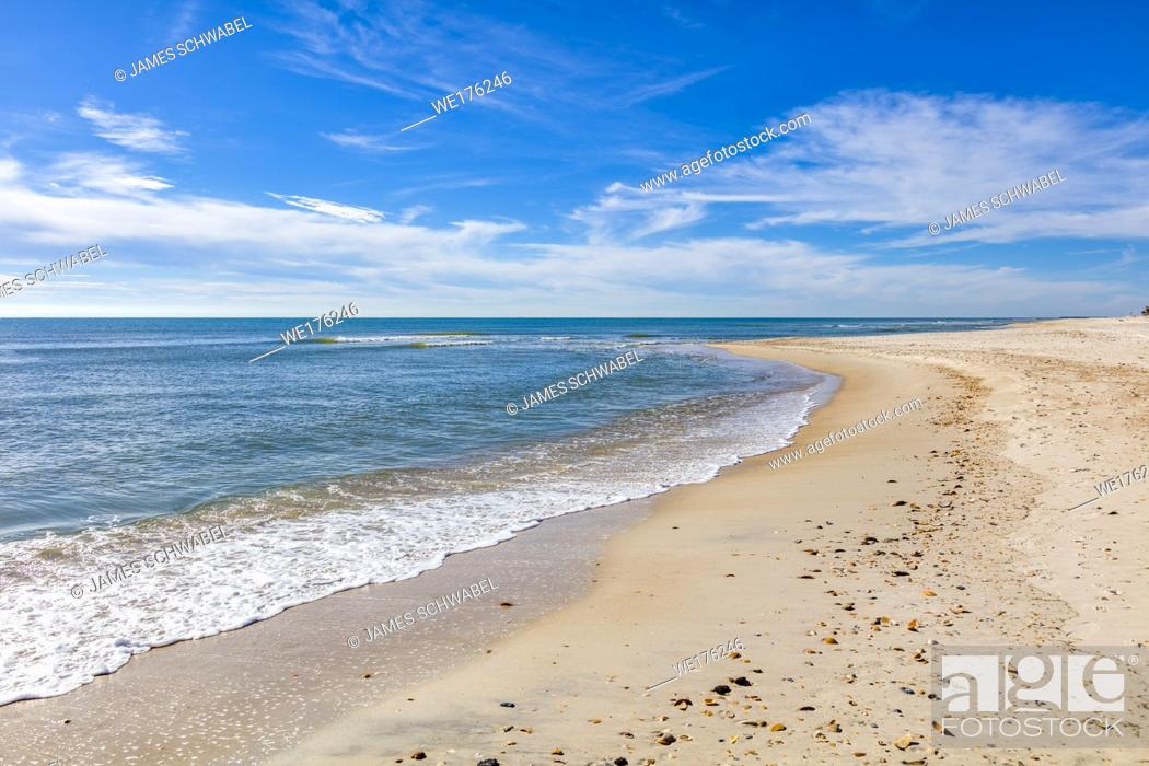 Imagen: Gulf of Mexico beach on St George Island in the panhandle or Forgotten Coast area of Florida in the United States.