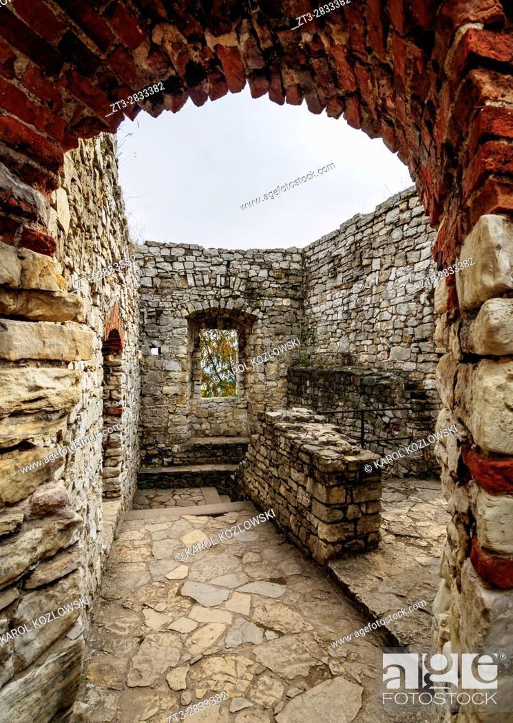 Stock Photo: Poland, Lesser Poland Voivodeship, Wygielzow, Lipowiec Castle.