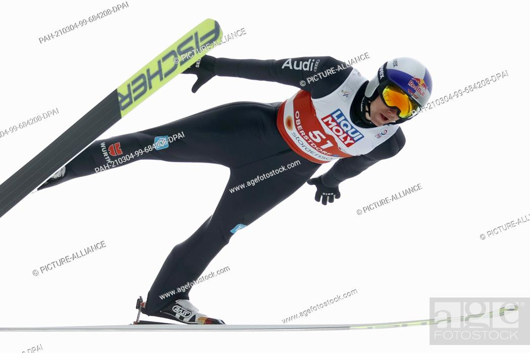 Imagen: 04 March 2021, Bavaria, Oberstdorf: Nordic skiing: World Championships, combined, individual, large hill/10 km, men, jump.