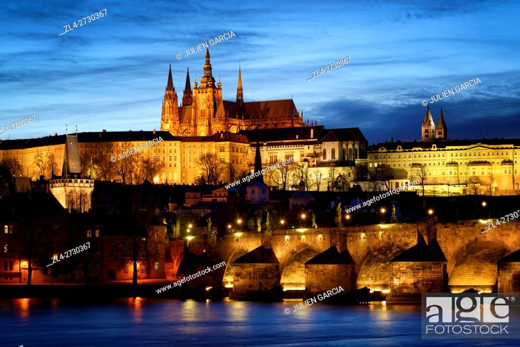 Stock Photo: Czech Republic, Prague, historic centre listed as World Heritage by UNESCO, Night view of the Vltava River, the Charles Bridge (Karluv Most).
