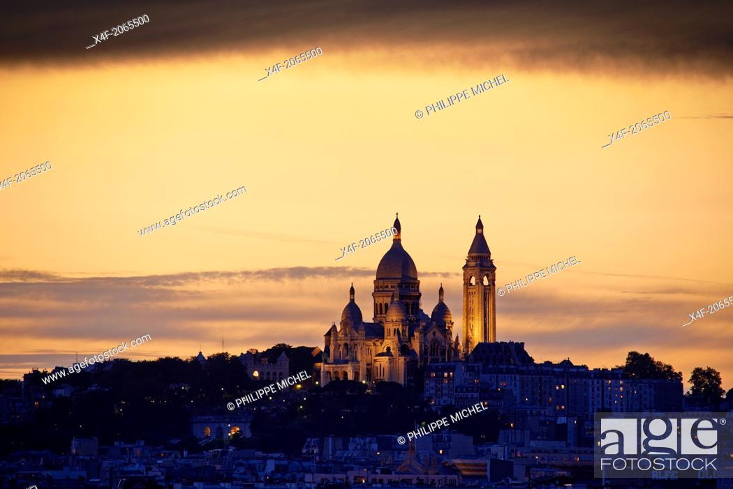Stock Photo: France, Paris, Sacre Coeur Basilica.