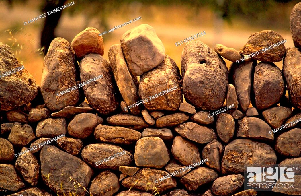 Stock Photo: Ireland series in detail. Limitation of loose rock stone.