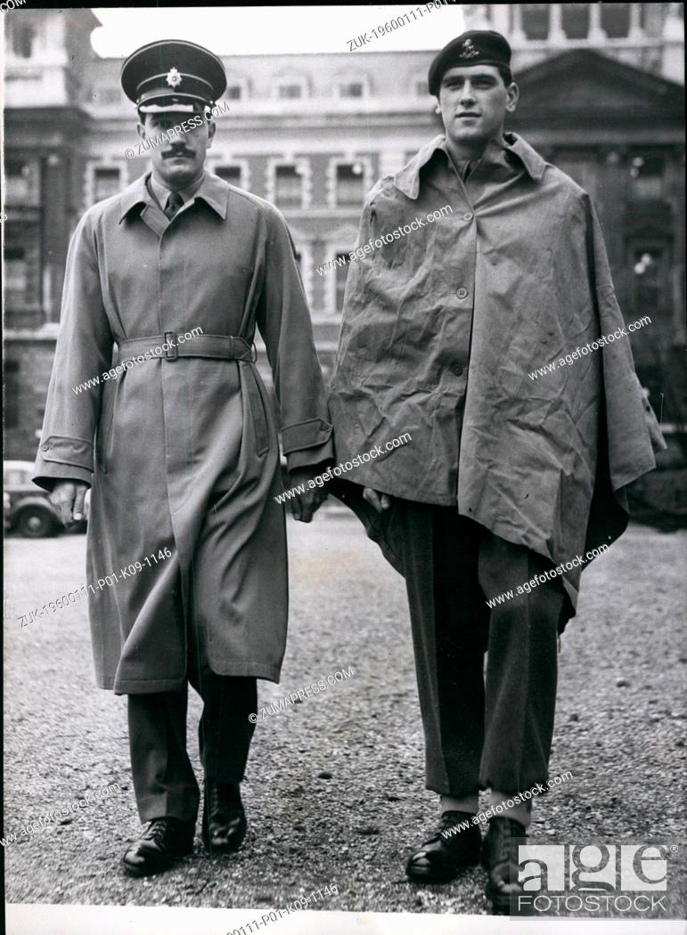 Imagen: 1952 - New British Army Uniforms On Display. The Old And The New Rainwear: The Secretary of State for War - Mr. Christopher Soames held a press conference at.