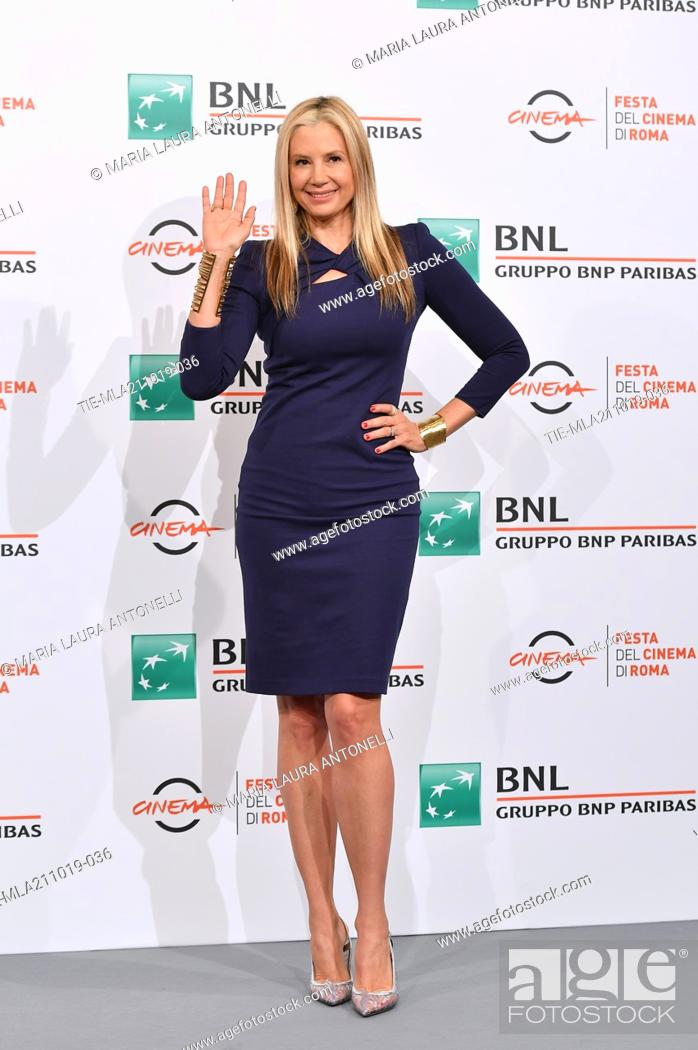 Imagen: Mira Sorvino poses during the photocall for 'Drowing' at the 14th annual Rome Film Festival, in Rome, ITALY-20-10-2019.