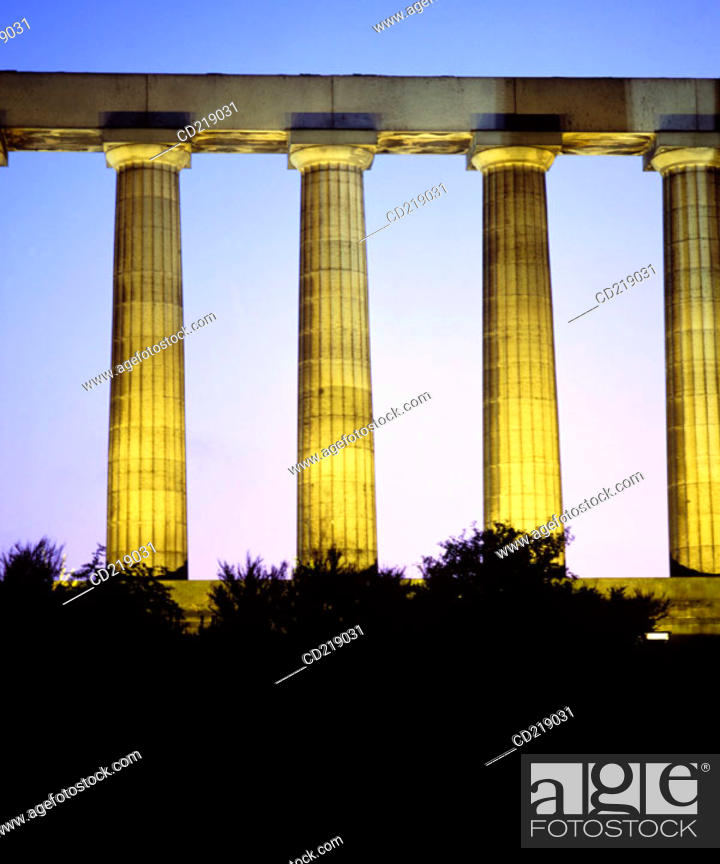 Stock Photo: National Monument, replica of the Parthenon that was designed in 1822 as a memorial to the Scots who died in the Napoleonic Wars.