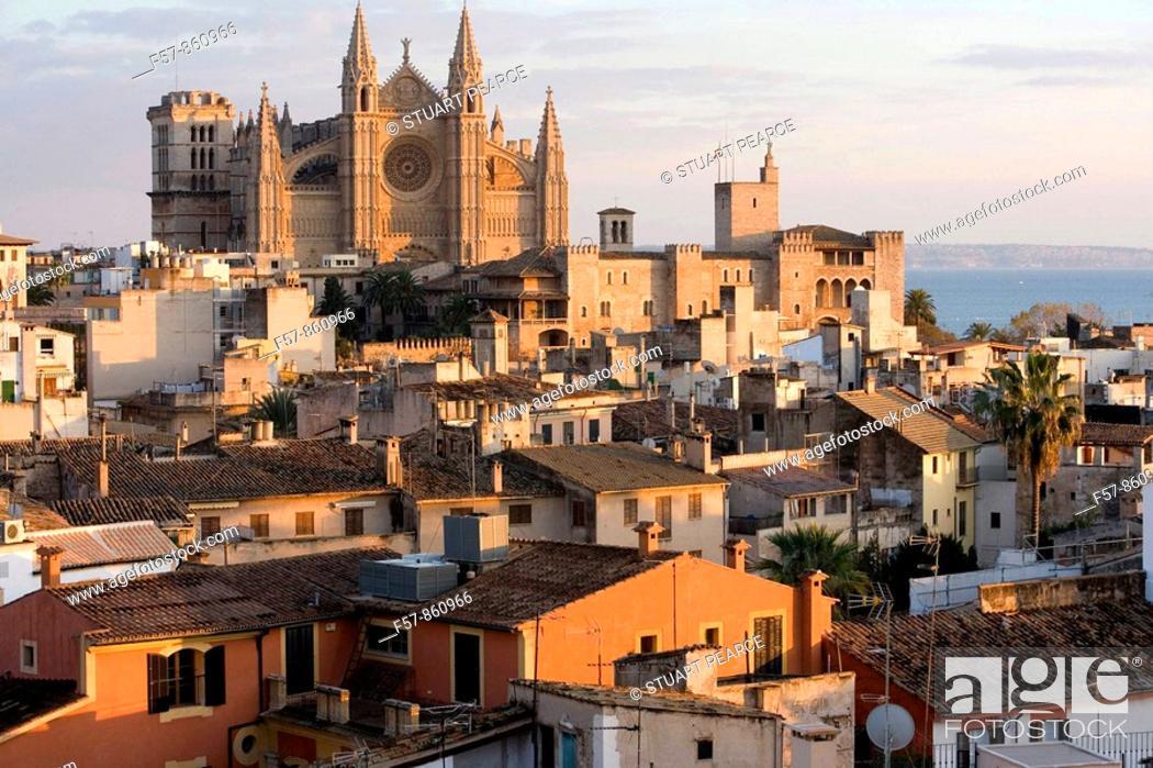 Stock Photo: La Seu Cathedral in Palma de Mallorca, Balearic Islands, Spain.