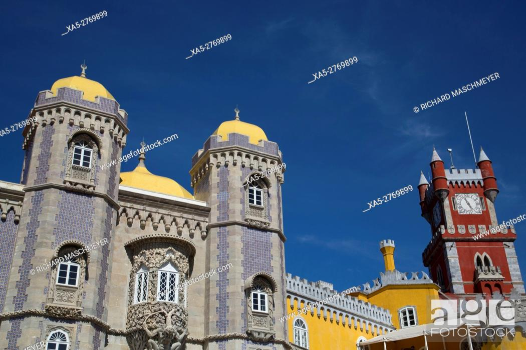 Imagen: Pena National Palace, Sintra, UNESCO World Heritage Site, Portugal.