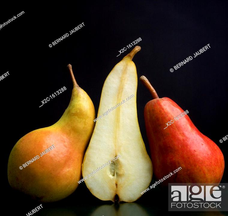 Stock Photo: Pears, whole and cut.