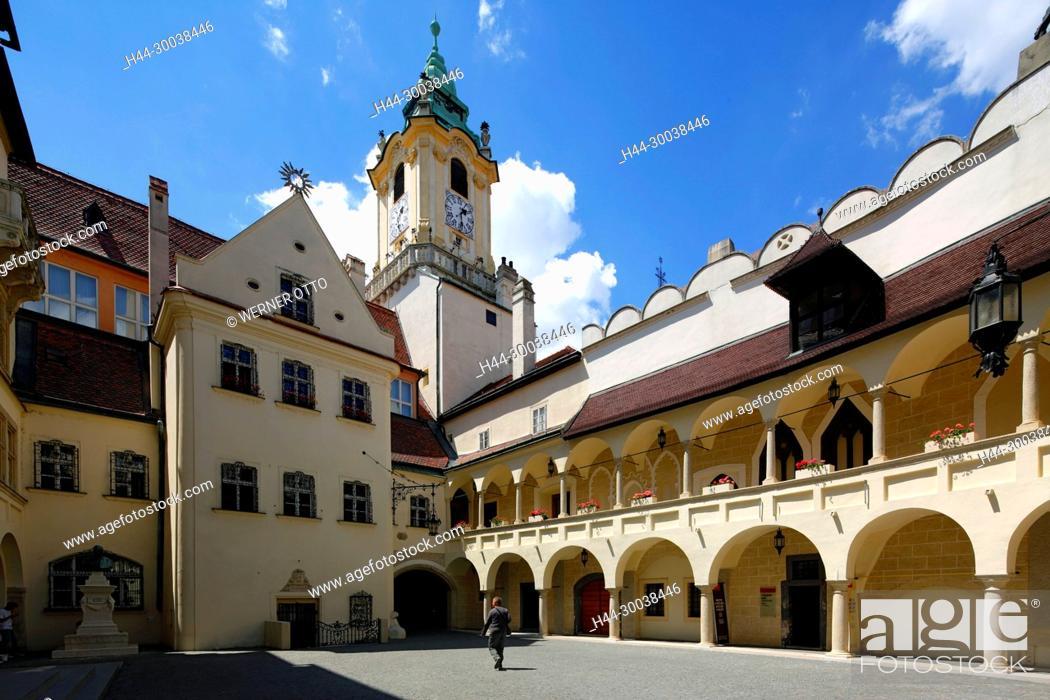 Stock Photo: Slowakische Republik, Slowakei, Westslowakei, Bratislava, Pressburg, Hauptstadt, Donau, Kleine Karpaten, Altes Rathaus, Staedtisches Museum Bratislava, Innenhof.