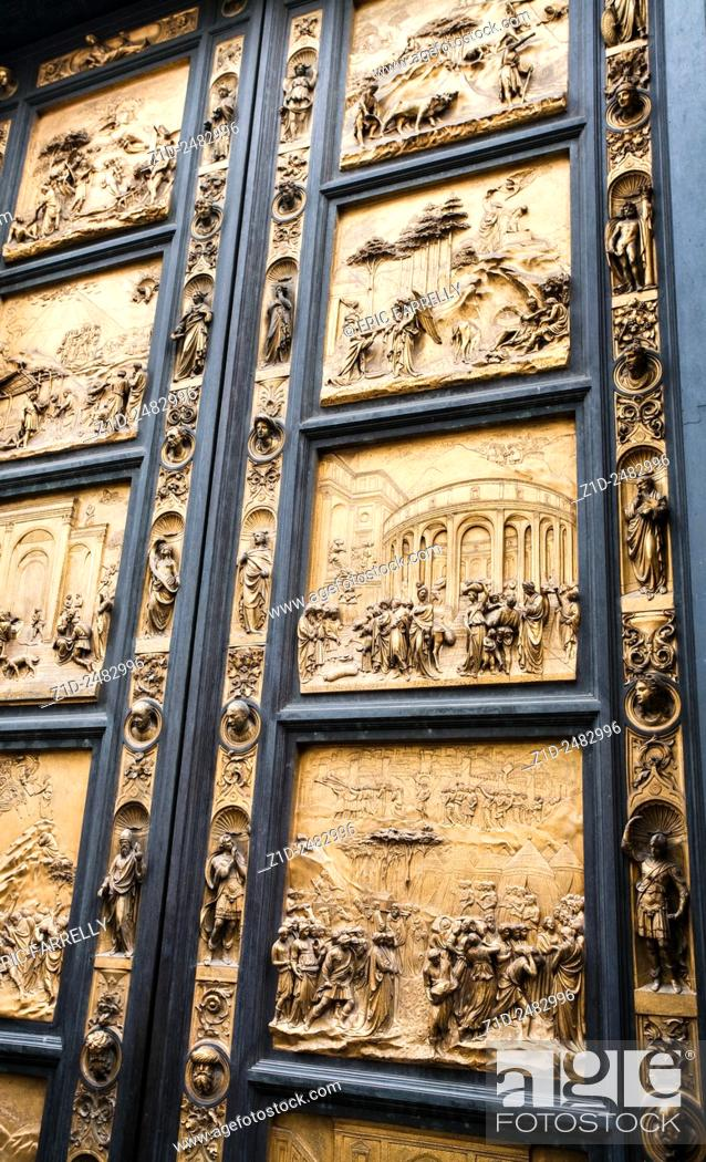 Imagen: Bronze doors by Lorenzo Ghilberti at the Baptistry Florence.