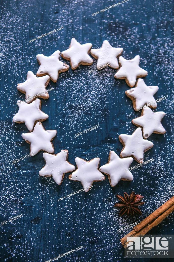 A Circle Of Cinnamon Star Biscuits Stock Photo Picture And Rights