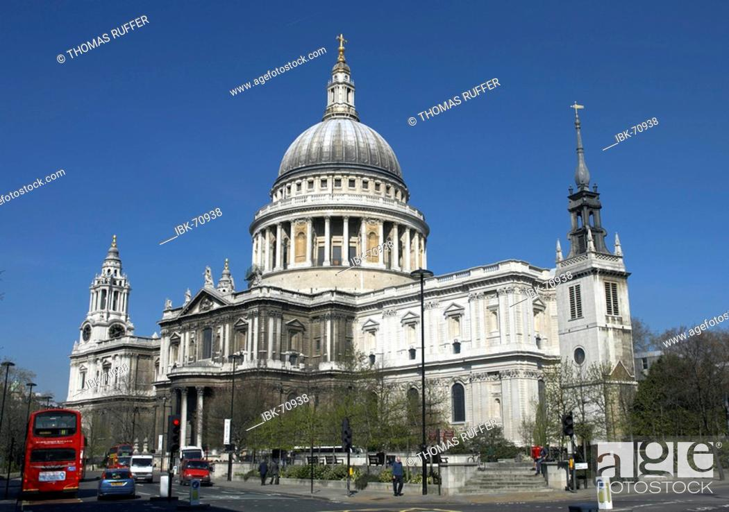 Stock Photo: St. Paul's Cathedral in London, Great Britain.