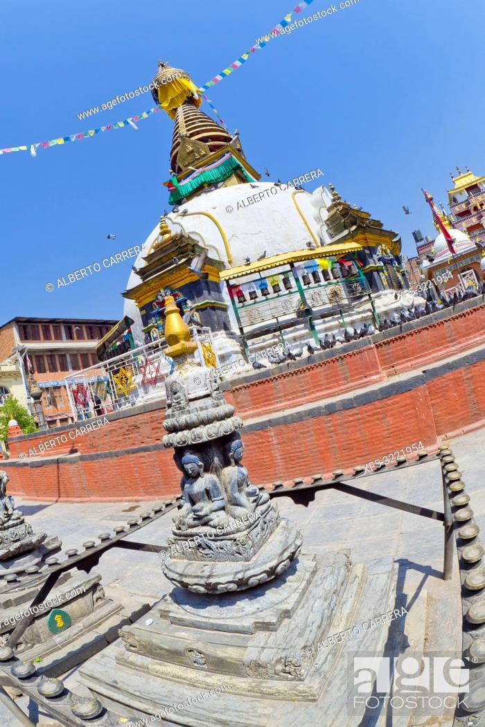 Imagen: Shree Gha Buddhist Stupa, Kathesimbu Stupa, Thamel Tourist Area, Kathmandu, Nepal, Asia.