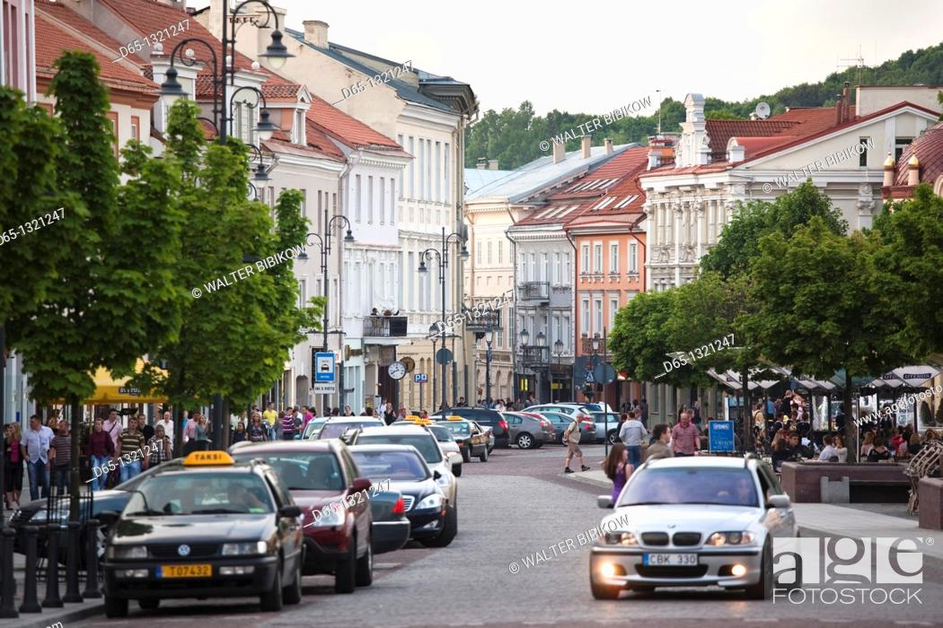 Stock Photo: Lithuania, Vilnius, Old Town, Town Hall Square, traffic.