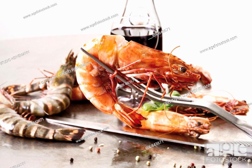 Stock Photo: Fresh lobsters on Teppanyaki.