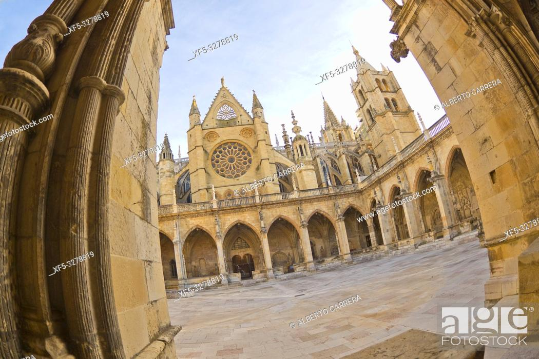 Stock Photo: Cathedral of Santa María de la Regla of León, 13th Century Gothic Style, León, Castilla y León, Spain, Europe.