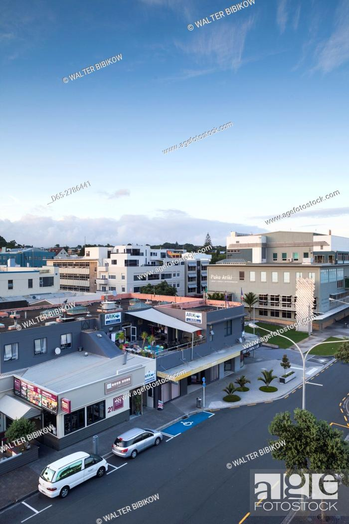 Stock Photo: New Zealand, North Island, New Plymouth, elevated town view.