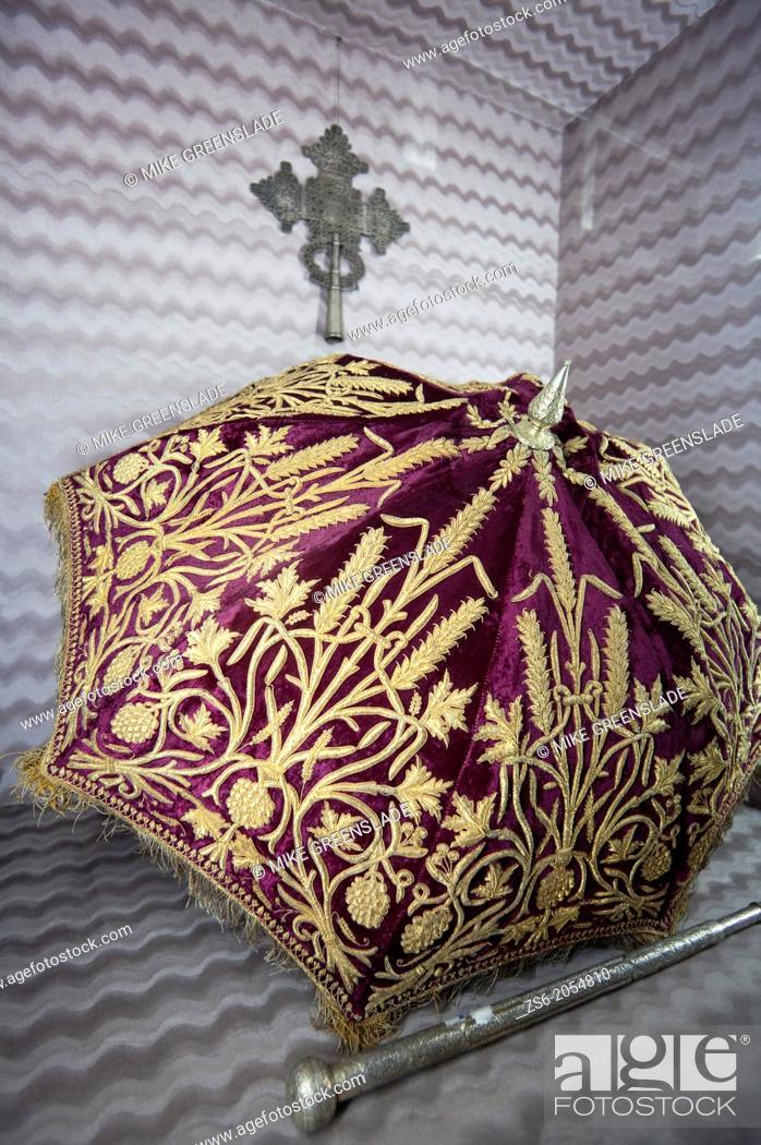 Imagen: Ceremonial umbrella, St Georges Cathedral Museum; Addis Ababa, Ethiopia.
