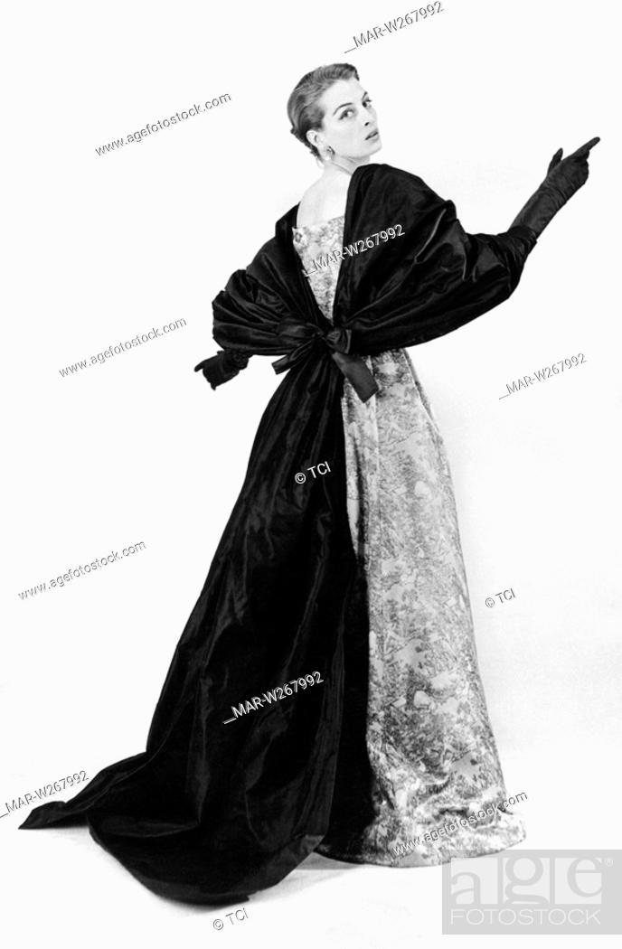 Abiti Da Sera Givenchy.Abito Da Sera In Seta Givenchy 1953 Stock Photo Picture And