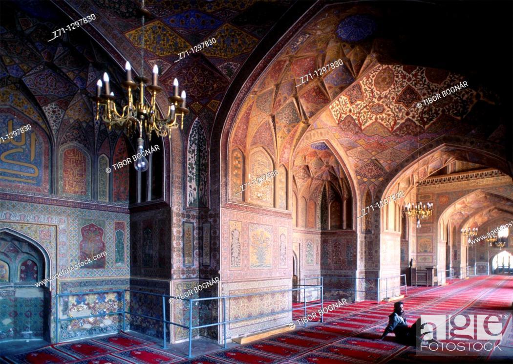 Stock Photo: Pakistan, Punjab, Lahore, Wazir Khan Mosque, interior,.