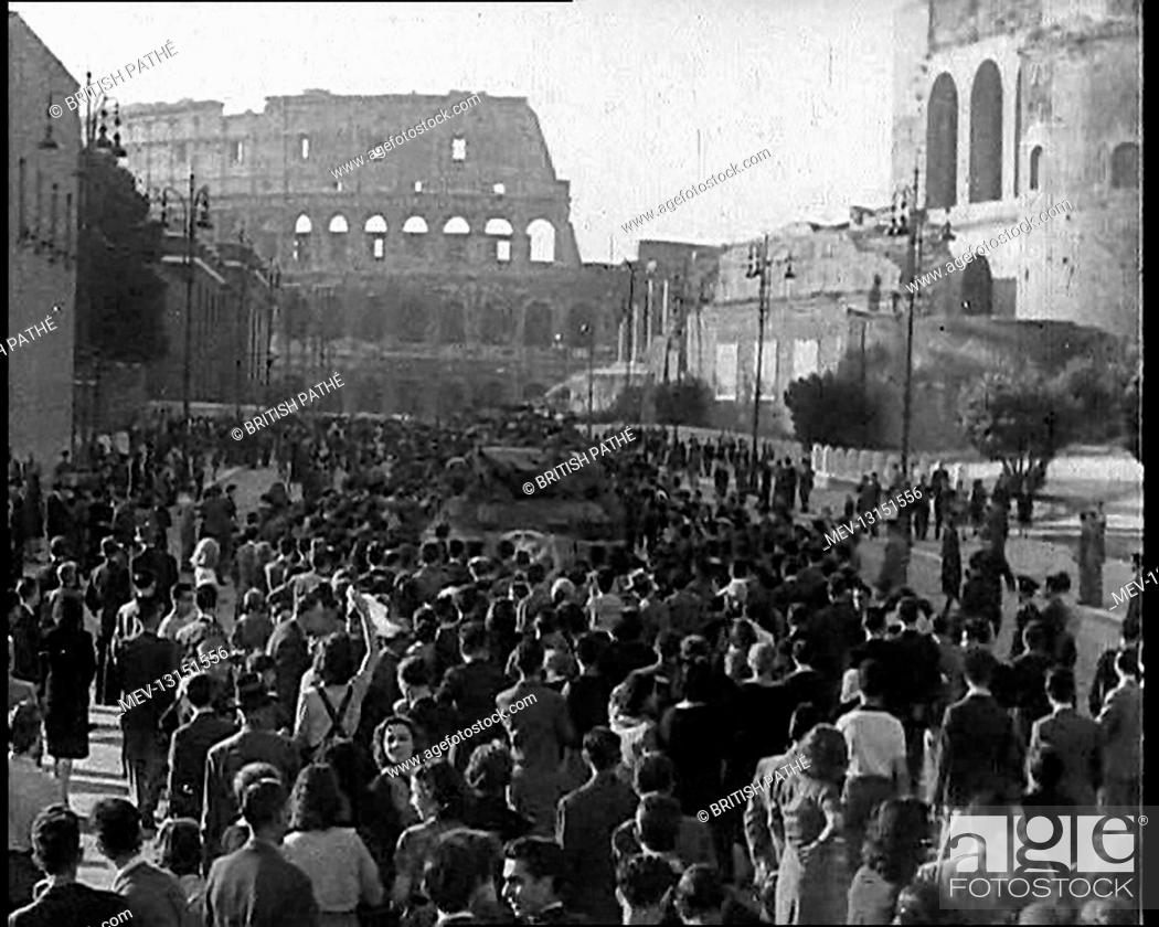 Stock Photo: Italian Crowds Gathering Around an American Tank With the Ruins of the Colosseum in the Background - Rome, Italy.