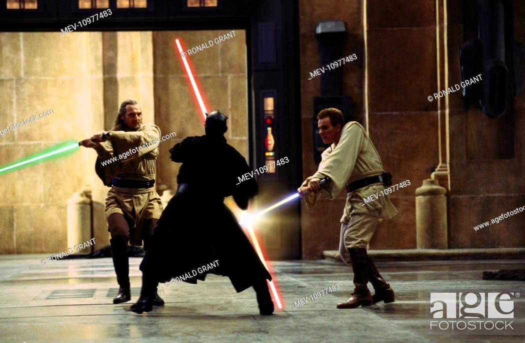 Stock Photo: STAR WARS: EPISODE I - THE PHANTOM MENACE [US 1999] [L-R] LIAM NEESON as Qui-gon Jinn, RAY PARK as Darth Maul, EWAN MCGREGOR as Obi-Wan Kenobi.