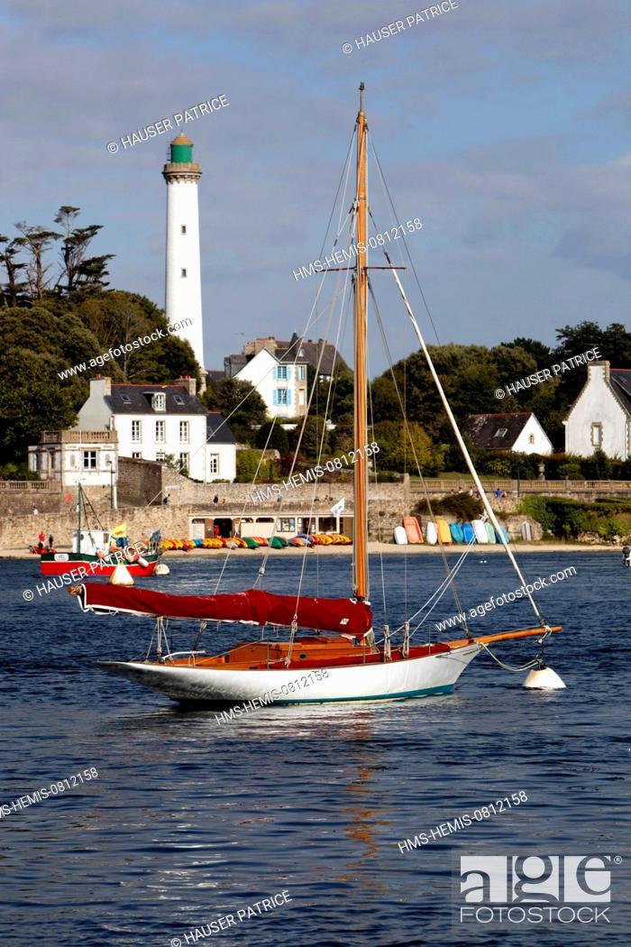 Stock Photo: France, Finistere, Benodet from de port of Sainte Marine.