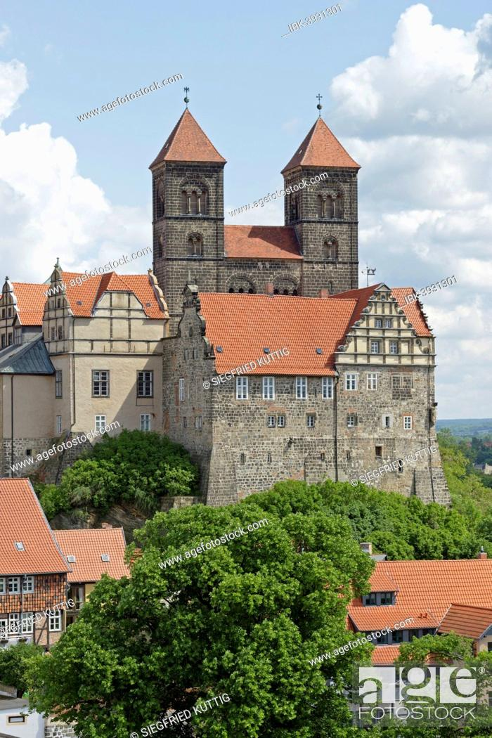 Stock Photo: Castle and Collegiate Church of St. Servatius with monastery buildings on the Schlossberg or castle hill, Quedlinburg, Saxony-Anhalt, Germany.