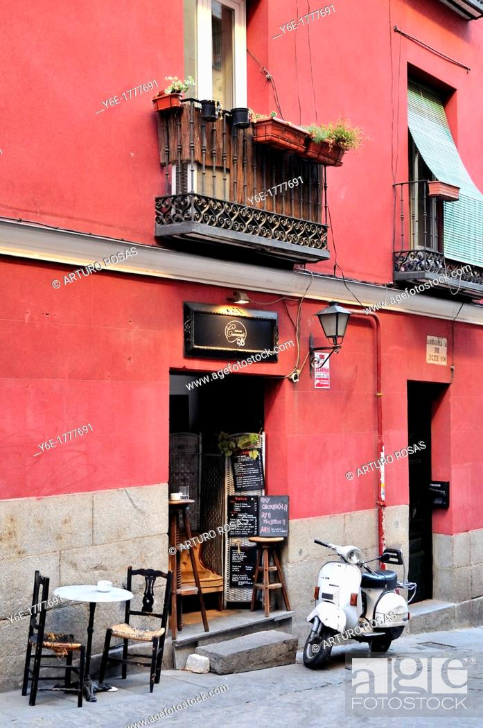 Stock Photo: Little cafe  Madrid, Spain.
