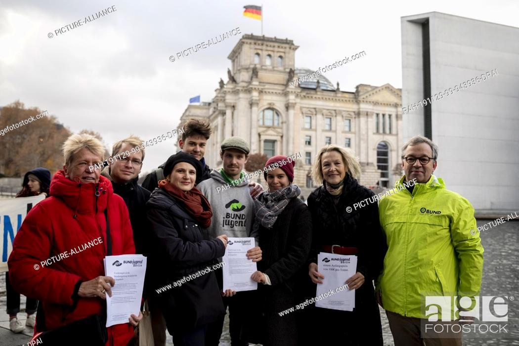 Stock Photo: 29 November 2019, Berlin: Ulli Nissen (SPD, l-r), Lorenz Gösta Beutin (Die Linke), both members of the German Bundestag, Katja Kipping.