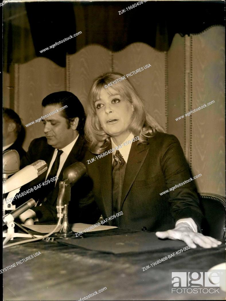 Imagen: Apr. 08, 1968 - Melina Merkouri Holds a Press Conference at a Parisian Hotel (Credit Image: © Keystone Press Agency/Keystone USA via ZUMAPRESS.com).