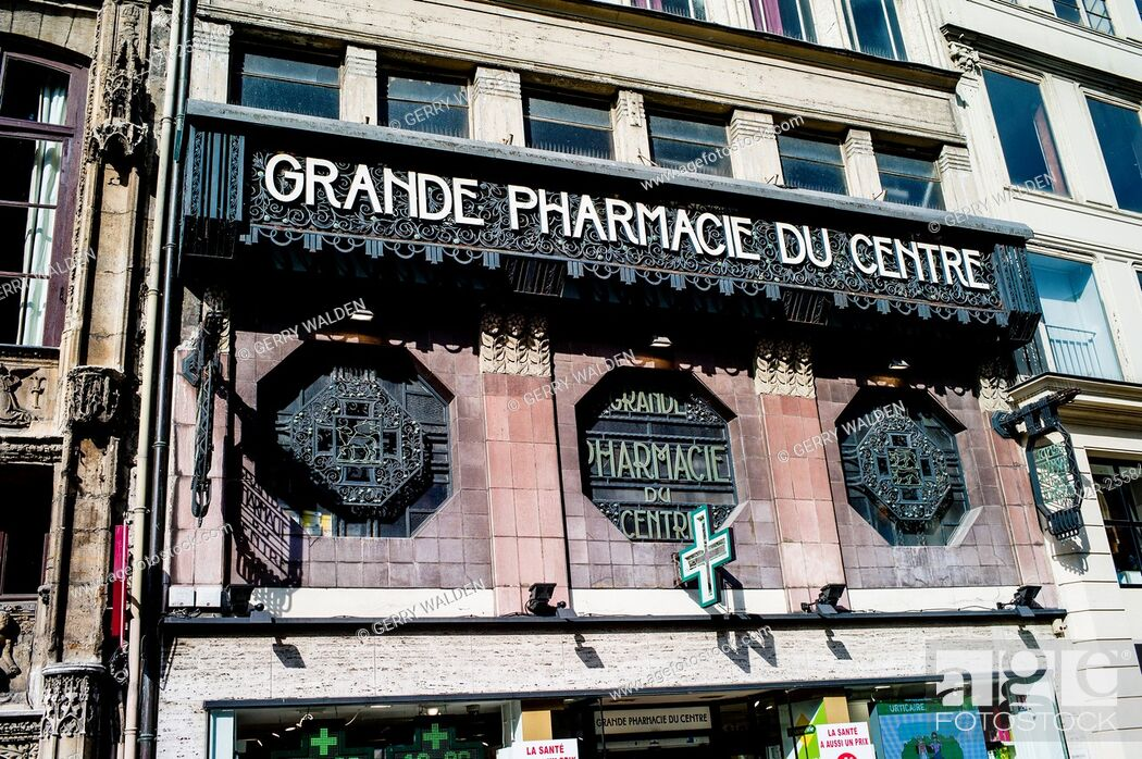 Stock Photo: The art deco front elevation of the Grande Pharmacie du Rouen (France).