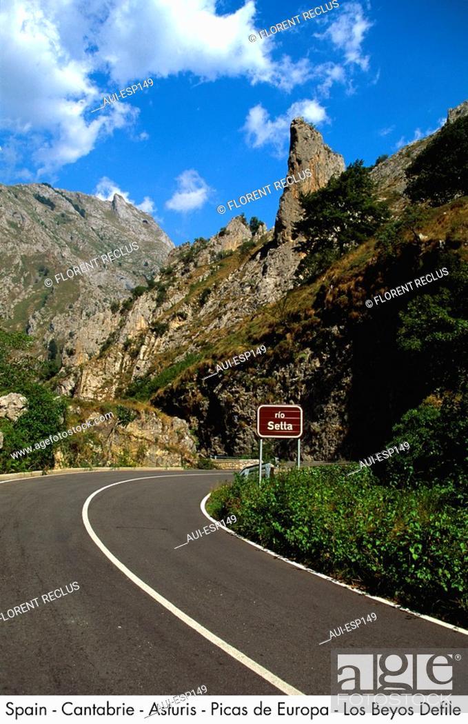 Stock Photo: Spain - Cantabrie - Asturis - Picas de Europa - Los Beyos Defile Rock.