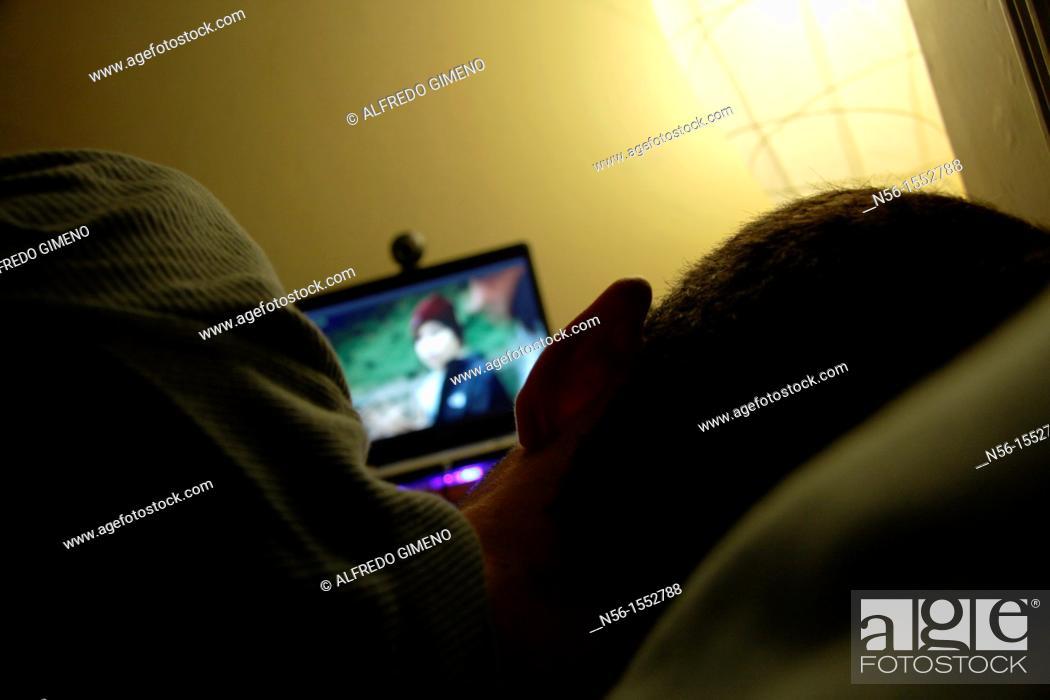 Imagen: Watching digital TV.