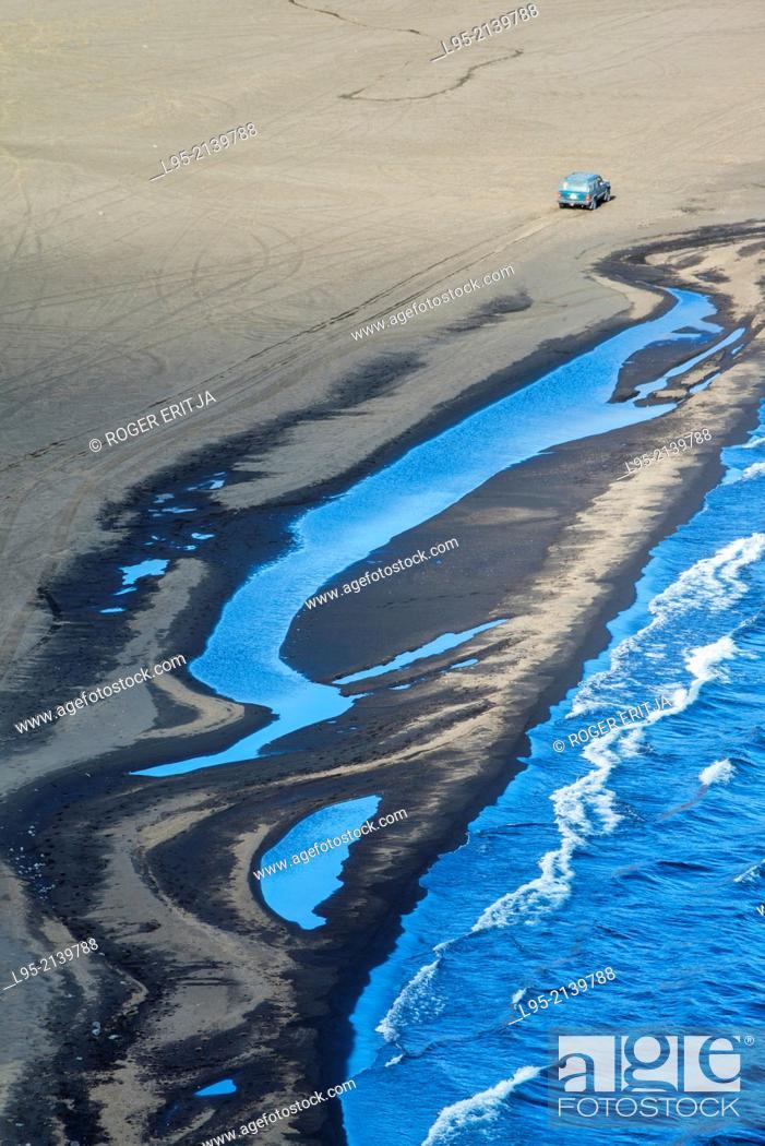 Stock Photo: Coast at Reykjanes peninsula, iceland.