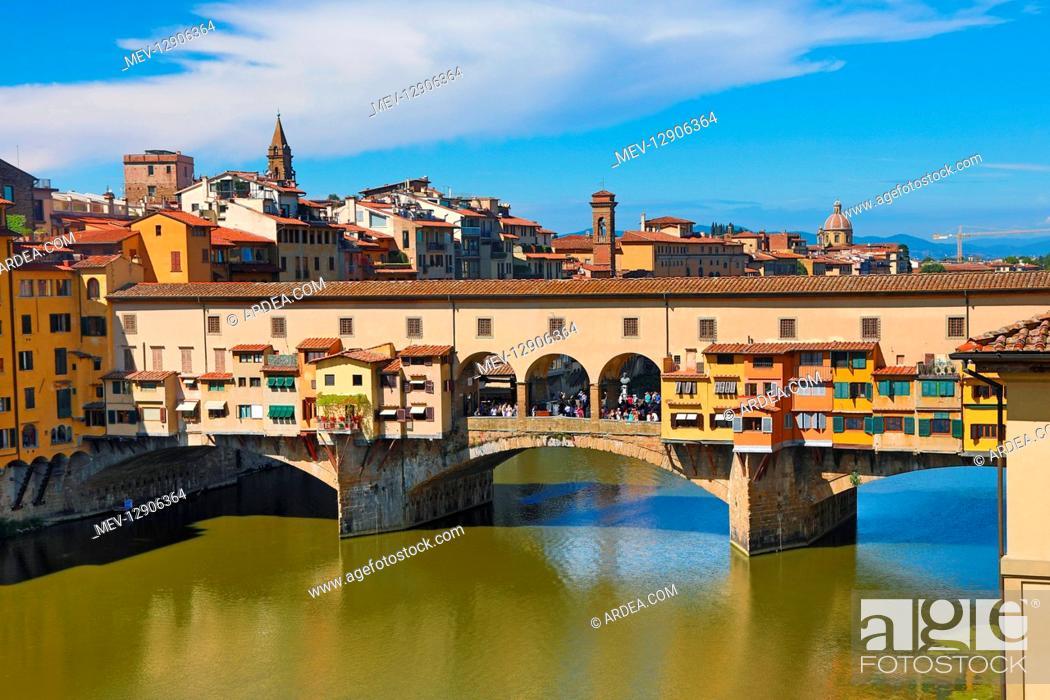 Stock Photo: The Ponte Vecchio bridge over the River Arno, Florence, Italy.