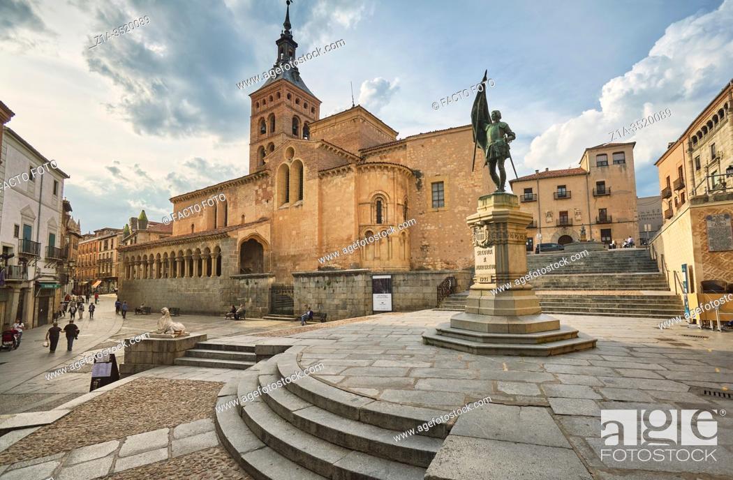 Imagen: Medina del Campo square. Segovia. Castile and Leon. Spain.