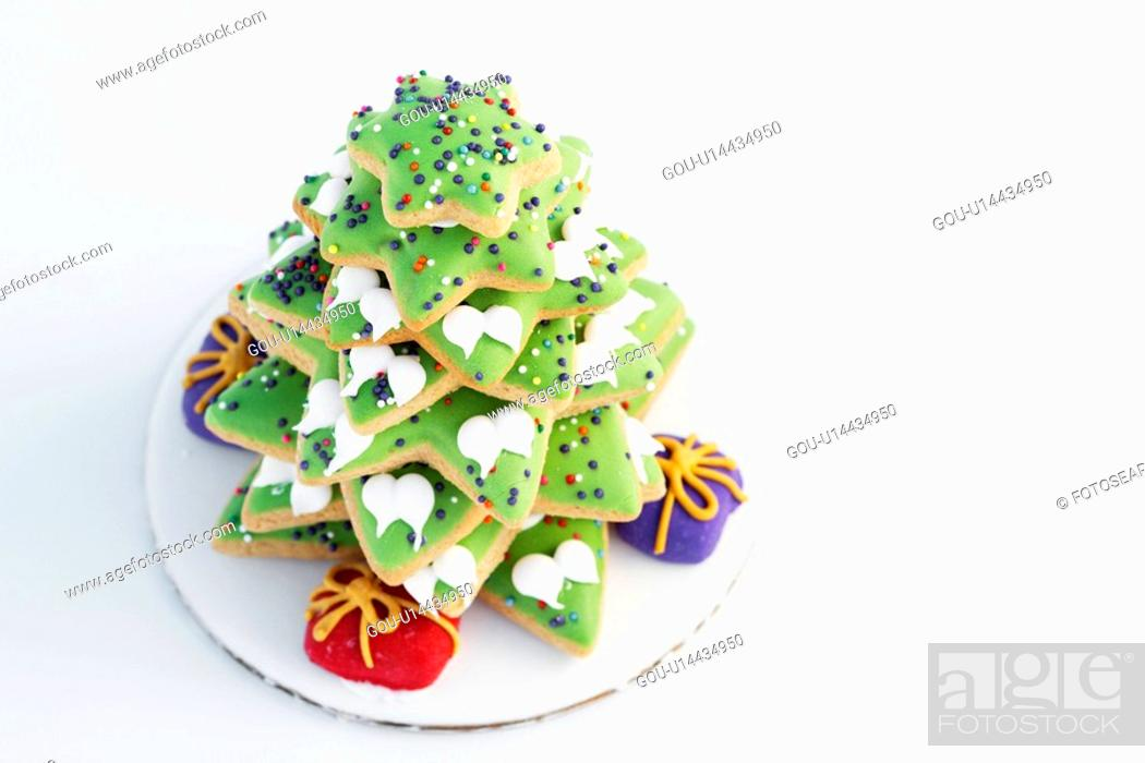 Stock Photo: Christmas tree made from gingerbread (high angle view).