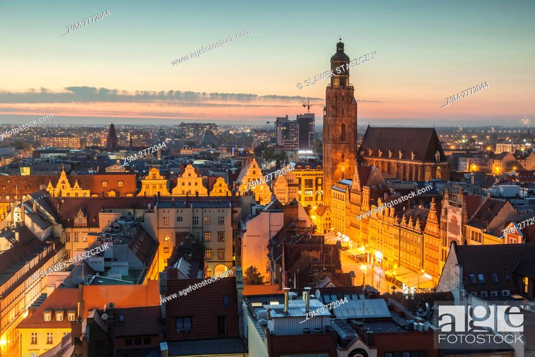 Stock Photo: Evening in Wroclaw old town, Poland.